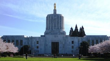 Oregon State Capitol building in Salem