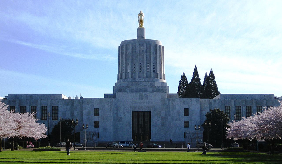 Oregon Strengthens Public Workers' Right to Organize